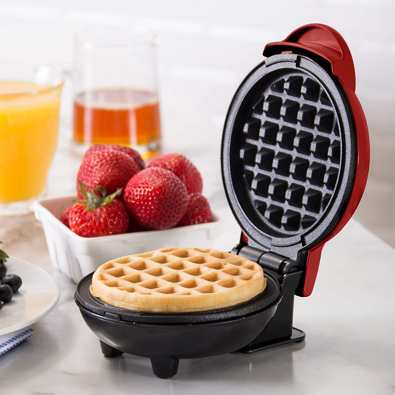Dash Mini Waffle Maker Review